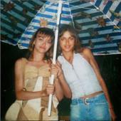 tot la 14 ani, in compania prietenei ei