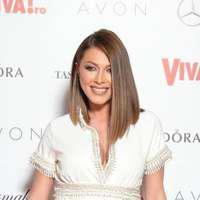 Ilinca Vandici – cea mai sexy graviduță a serii la Viva Party 2017. A arătat senzațional într-o rochie extrem de scurtă și mulată