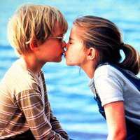 """Macaulay Culkin și-a pierdut virginitatea la 15 ani. Actorul din """"Singur acasă"""" a dat… din casă!"""