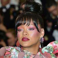 Rihanna – scene fierbinți, la piscină, împreună cu noul iubit