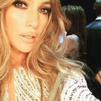 Jennifer Lopez – Top 15 ținute super sexy pe covorul roșu