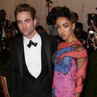 Robert Pattinson și FKA Twigs s-au despărțit. Motivul este uluitor!