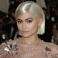 Ten arămiu ca al lui Kylie Jenner? Expunerea corectă la soare îți aduce numai beneficii