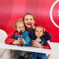 Sărbătoare în familia Mirelei Vaida. Fiul ei, Vladimir, a împlinit un an. Imaginea cu care vedeta și-a înduioșat fanii
