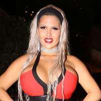 Sophia Vegas, manechinul cu cea mai mică talie – FOTO