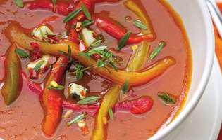 Supă de roșii cu ardei