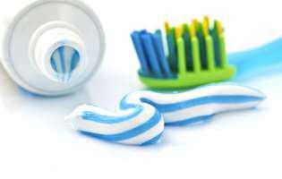 spală-te pe mâini cu pastă de dinți