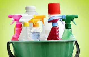 Curățarea obiectelor din baie