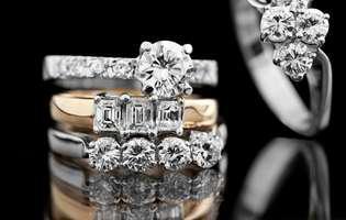 bijuteriile cu montură de pietre