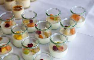 iaurt de casa cu fructe reteta