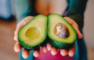 mănânci un avocado pe zi