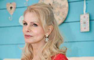 Anastasia Lazariuc are fabulos la 63 de ani.