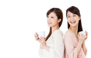 De ce femeile japoneze nu se îngrașă și arată tinere mai mult timp. Beau ceai verde