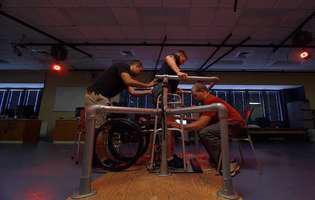 Paralizia cauzată de boli la măduva spinării are şanse de vindecare