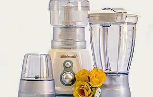 Așa cureți robotul de bucătărie să arate ca nou!