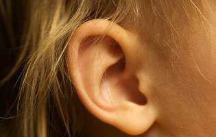 Știi că otoplastia e singura operație estetică ce se poate face în copilărie?