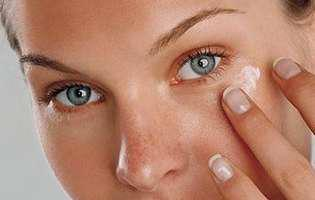 5 ingrediente minune pentru cearcăne și pungi sub ochi