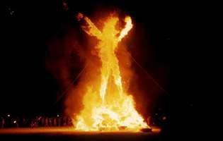 Combustia spontană transformă oamenii în torțe vii!