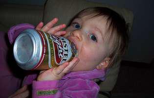 Studiu: Stilul parental influențează consumul de alcool la adolescență