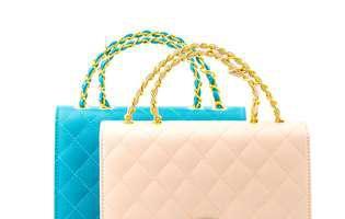 Cum să porţi o geantă cu stil
