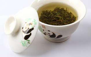 3 ceaiuri pentru păr