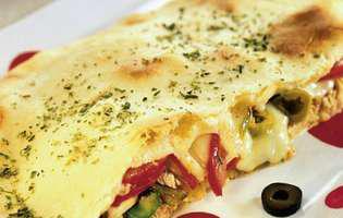 Pizza calzone cu pește