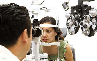 Corectează vederea și scapi de ochelari