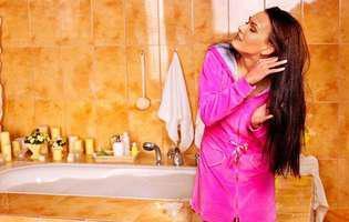 3 greșeli frecvente pe care le faci când îți periezi părul