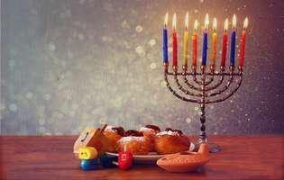 """""""Hag Hanuca Sameah!"""" tuturor evreilor"""
