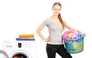 cureți eficient grăsimea de pe haine