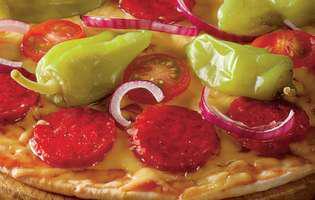 Pizza picantă cu blat de casă