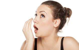 Respirația urât mirositoare e semn de boală