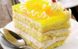 Prăjitură cu brânză și glazură de portocale