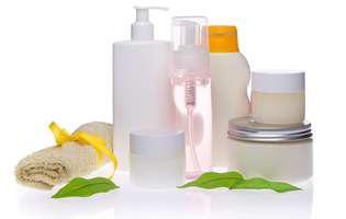 Cum să folosești cosmeticele pentru mici reparații de urgență