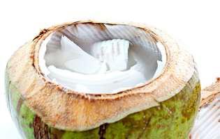 Apa de cocos, beneficii pentru organismul tău