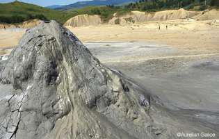 Vulcanii Noroioși, un fenomen rar în Europa