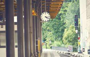 """Cum se circulă cu trenul în perioada stării de urgență: Se merge pe principiul """"un loc liber, un loc ocupat"""""""