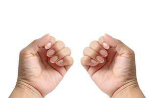 analizează-ți unghiile periodic
