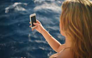 Am scăpat telefonul în apă. Cele mai bune metode să-l repari