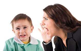 Învățătoare sau educatoare care nu-și dau interesul... Profesoare părtinitoare... Pe scurt, ești nemulțumită de școala copilului.