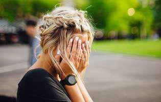 Migrenele sau durerile de cap pot fi provocate de lipsa unor vitamine