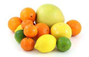 Pomelo întărește imunitatea și te scapă de răceală și gripă. Imagine cu pomelo și alte citrice