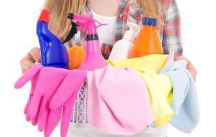 Produse de curățare și îngrijire pe care nu ar trebui să le amesteci niciodată