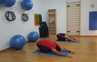 Posturi de yoga pentru sciatică – scapi de dureri