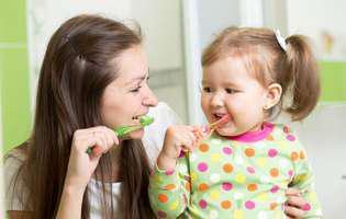 Află care este îngrijirea corectă a dinților copiilor în funcție de vârstă