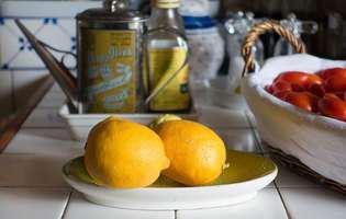 Ce se întâmplă dacă presari sare pe o lămâie tăiată și o lași în bucătărie