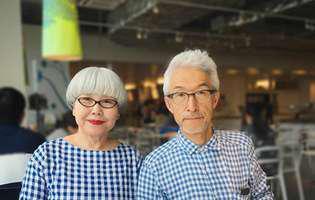 Cei doi japonezi care și-au asortat hainele... timp de 37 de ani