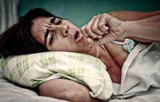 Tuberculoză - afecțiune pulmonară gravă care necesită tratament cu antibiotice. Imagine cu persoană care suferă de tuberculoză