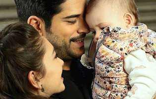 """Micuța Deniz din """"Dragoste infinită"""" a devenit cel mai îndrăgit personaj din serialul fenomen, dar iată cine sunt părinții reali ai fetiței"""