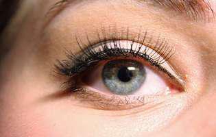 eyeliner, machiaj ochi